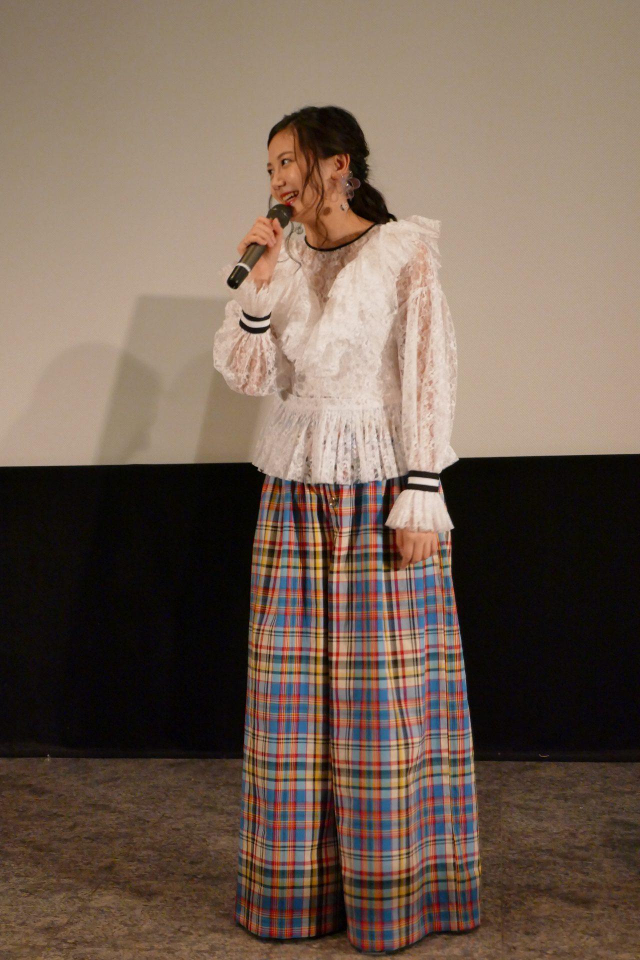 映画『僕の彼女は魔法使い』大ヒット御礼舞台挨拶で笑顔を咲かせる千眼美子